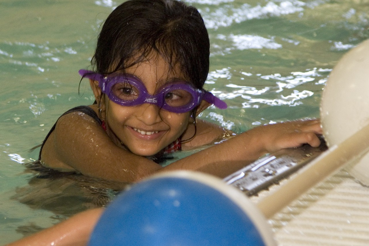 Register Now for Swim Lessons at FitNation Pool and Warren High School – O'Plaine Pool